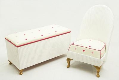 Child's bedroom furniture